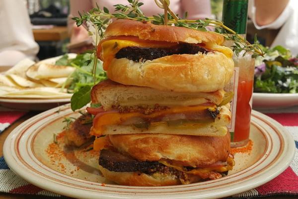 食べ過ぎる習慣から脱出!食事療法を続けるコツ